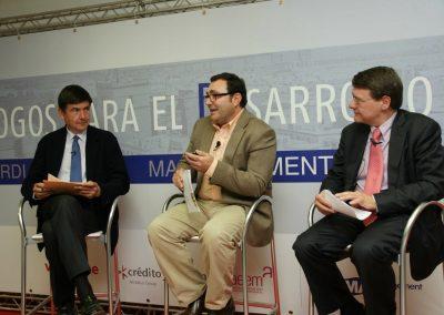 Debate moderado por el periodista José Antonio Fuentes
